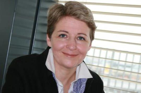 """La députée Laure de la Raudière souhaite que Fleur Pellerin """"se mettre au travail"""""""