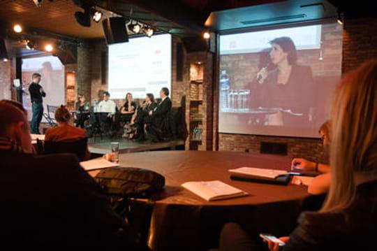 Conférence sur les contenus numériques : mobile et réseaux sociaux au programme