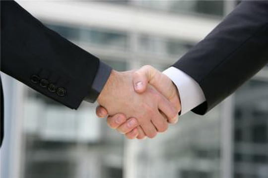 Numericable veut offrir entre 10 et 13milliards d'euros cash pour SFR