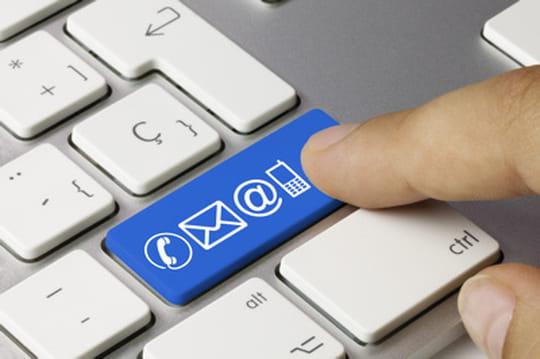 E-mail, texto ou téléphone