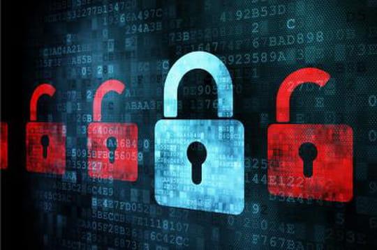 """Renseignement britannique : """"Nous avons le droit d'intercepter tout message sur Facebook ou Google"""""""