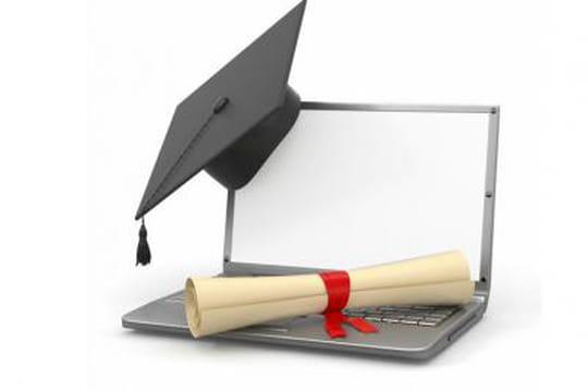 Certification et examen d'informatique à distance avec le Tosa
