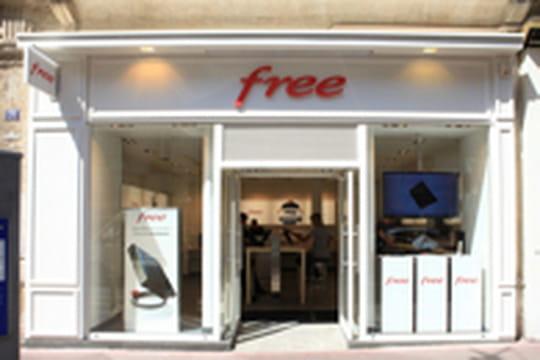 Free envisagerait d'ouvrir une centaine de boutiques