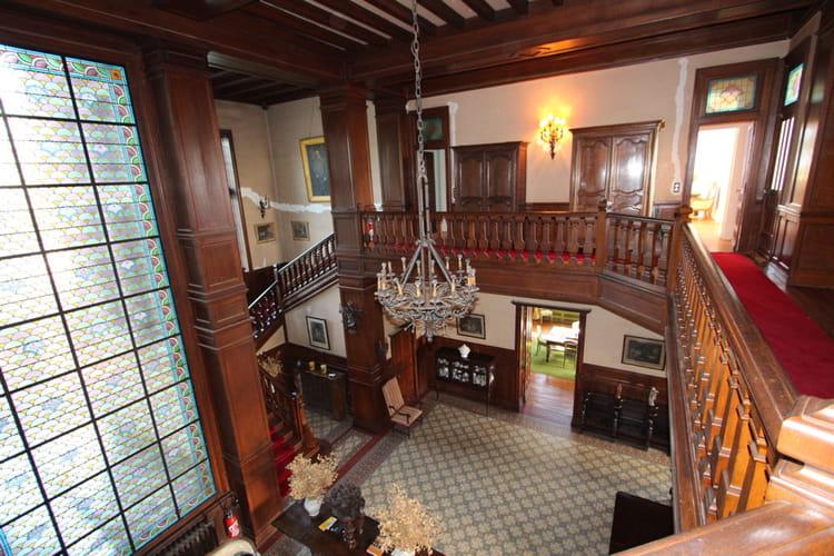 Le hall d'entrée du château mesure... 75 mètres carrés