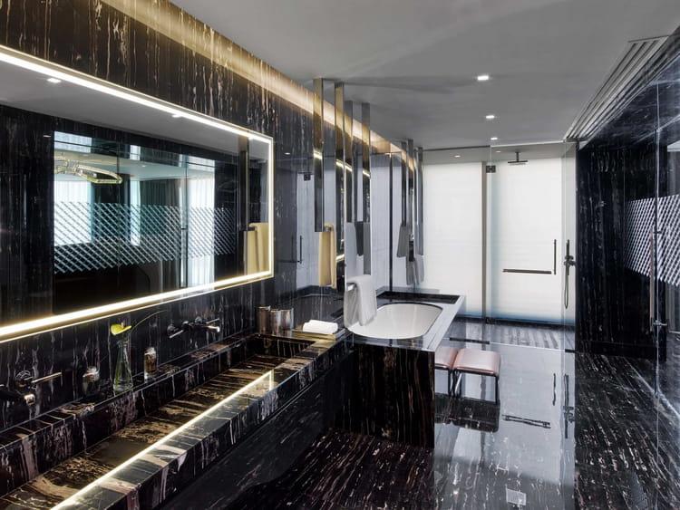 Une salle de bain aux dimensions exceptionnelles...
