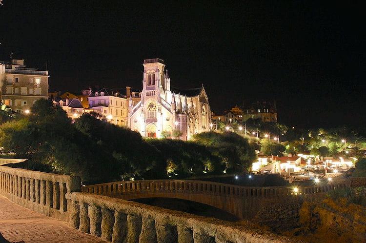 27e : Biarritz (Pyrénées-Atlantiques),  21,8 mètres carrés de pouvoir d'achat