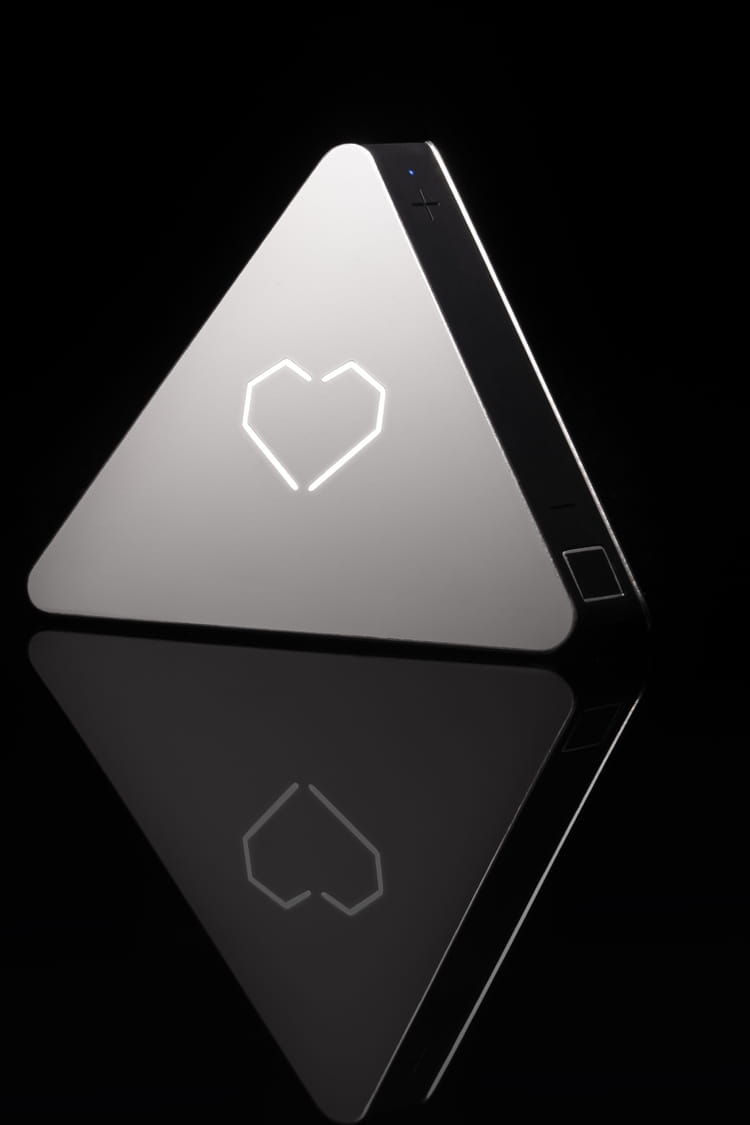 prizm rend les enceintes intelligentes 10 objets connect s indispensables pour la maison jdn. Black Bedroom Furniture Sets. Home Design Ideas