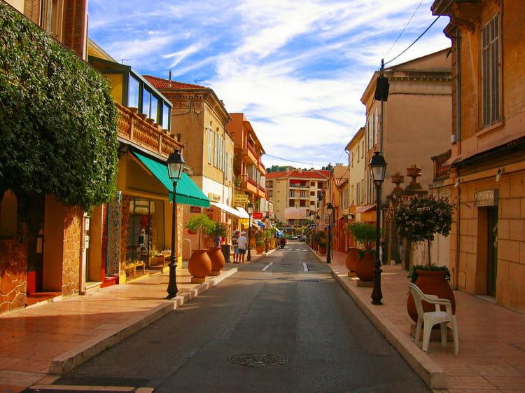 27e : Vallauris (Alpes-Maritimes), 4 047 euros le mètre carré