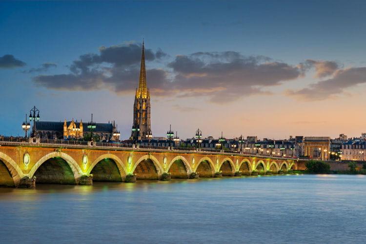 3e : Bordeaux (Gironde), +2,3 points de hausse des impôts locaux