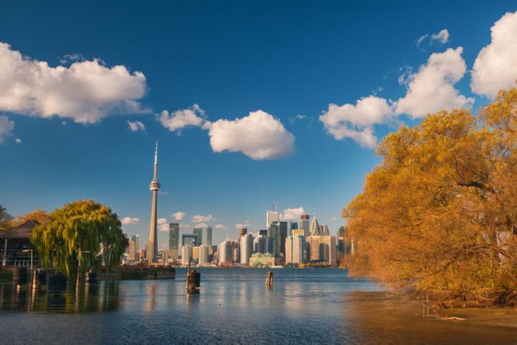 3e : Canada, 245 jours de congé paternité