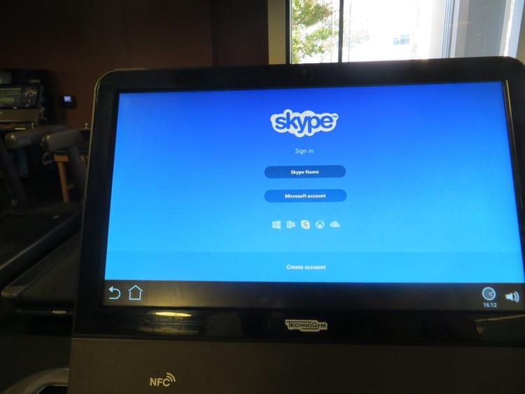 Courir en participant à une réunion par Skype