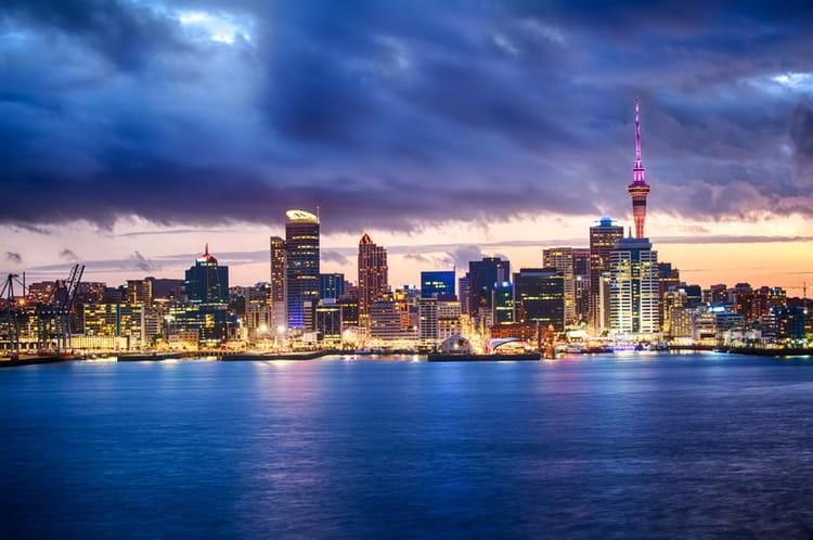 7e : Auckland, Nouvelle-Zélande, 73£ (94,36€)