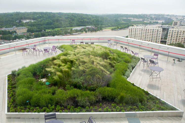Une terrasse avec vue panoramique