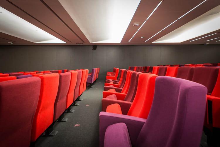 Un auditorium de 200places