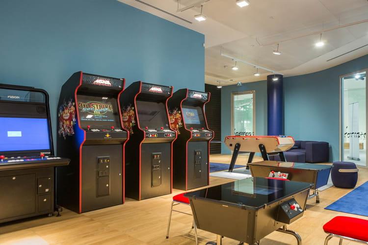 une salle de jeux les dunes nouveau camp de base de la soci t g n rale val de fontenay jdn. Black Bedroom Furniture Sets. Home Design Ideas