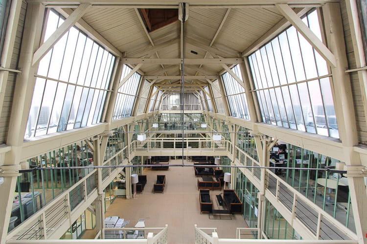 Un espace de 2600 m²