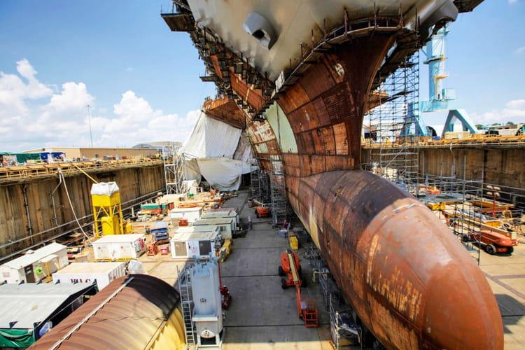 bulbous bow visitez le chantier du navire le plus cher du monde jdn. Black Bedroom Furniture Sets. Home Design Ideas