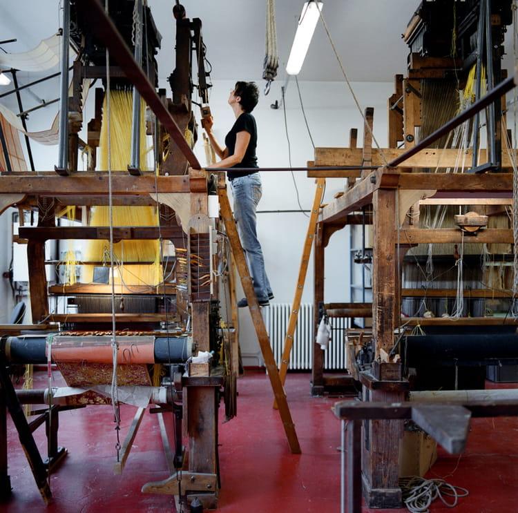 tassinari chatel le pur canut lyonnais manufactura voyage au coeur des plus beaux. Black Bedroom Furniture Sets. Home Design Ideas