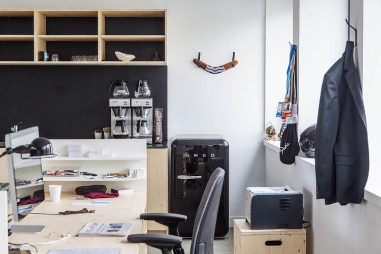 le bureau des big boss bienvenue dans le concept bar de ddb paris jdn. Black Bedroom Furniture Sets. Home Design Ideas