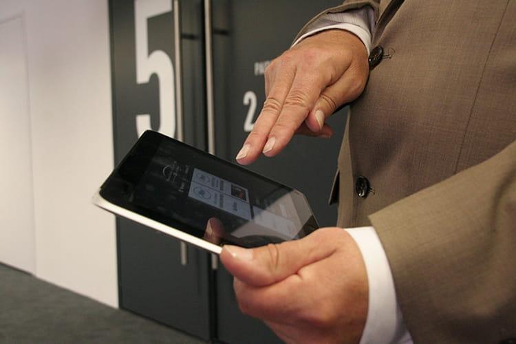 Une tablette pour gérer les entrées