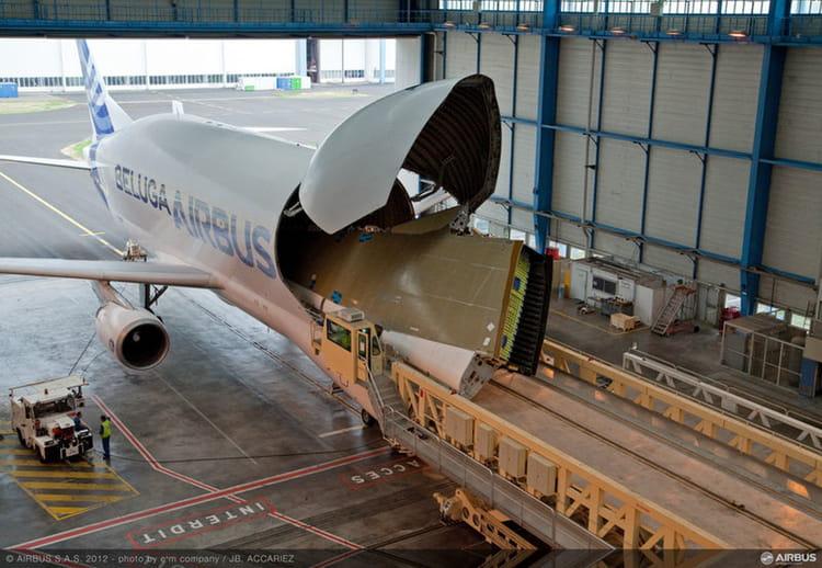 un voisin des c u00e9tac u00e9s   l u0026 39  u00e9trange avion cargo d u0026 39 airbus