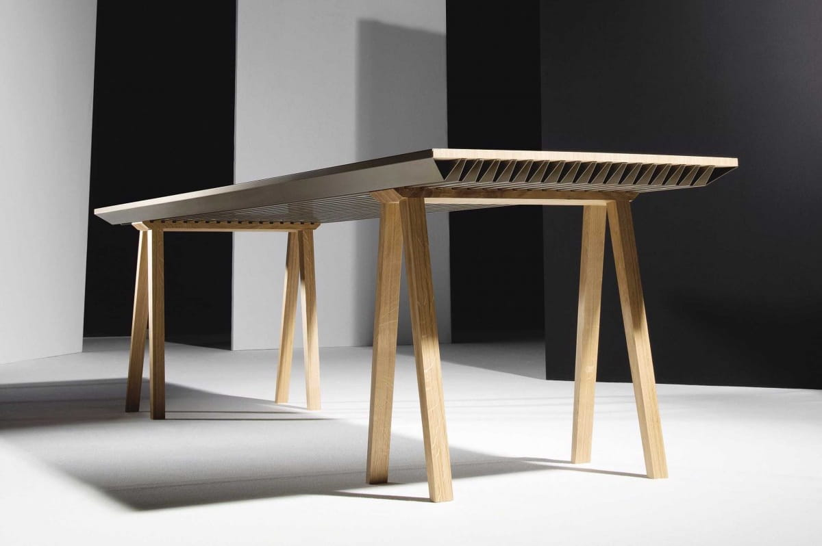 cette table r gule la temp rature ambiante sans lectricit jdn. Black Bedroom Furniture Sets. Home Design Ideas
