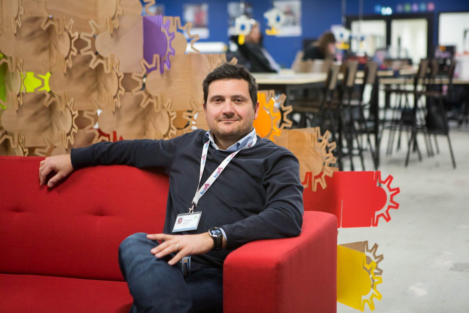 Christophe raillon directeur du projet techshop techshop leroy merlin la nouvelle salle de - Techshop leroy merlin ...