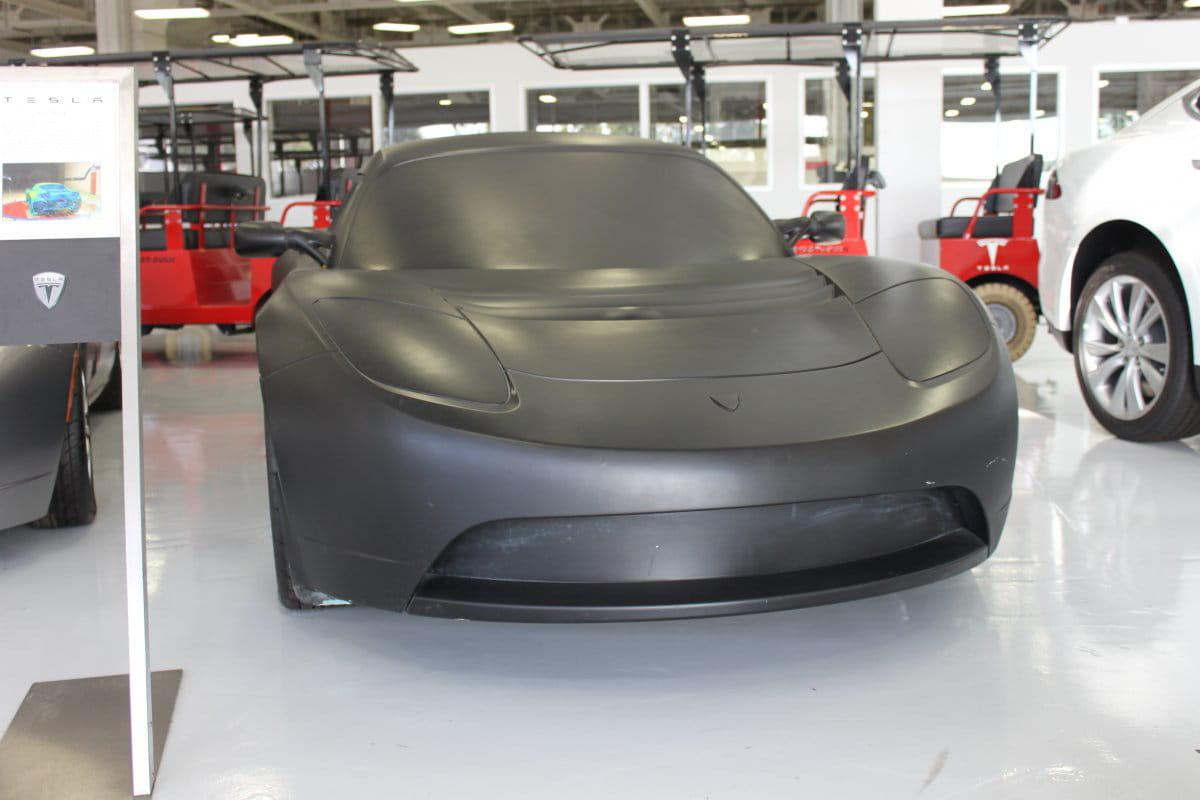 une maquette de la roadster   tesla   visite en images de
