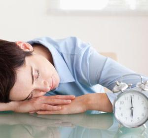 Se reposer le temps d 39 une sieste survivre un coup de - Comment eviter le coup de barre apres le dejeuner ...