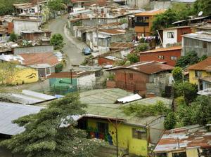 la population mondiale vivant dans les bidonvilles s'accroîtra probablement de 6