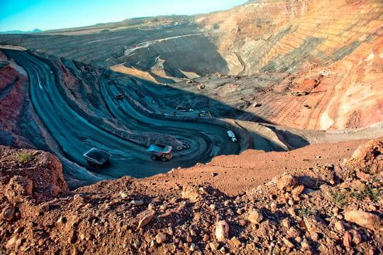 Savonit Atropatene - Mines 1255937-plongee-dans-les-plus-grandes-mines-d-or-du-monde