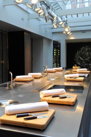 L 39 atelier cuisine attitude de cyril lignac for Atelier guy martin cours cuisine