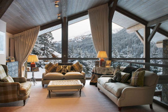 vue sur les montagnes au chalet les brames les plus beaux chalets des alpes jdn. Black Bedroom Furniture Sets. Home Design Ideas
