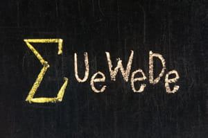 la formule mathématique de l'edgerank : 'u' pour affinité (user affinity), 'w'
