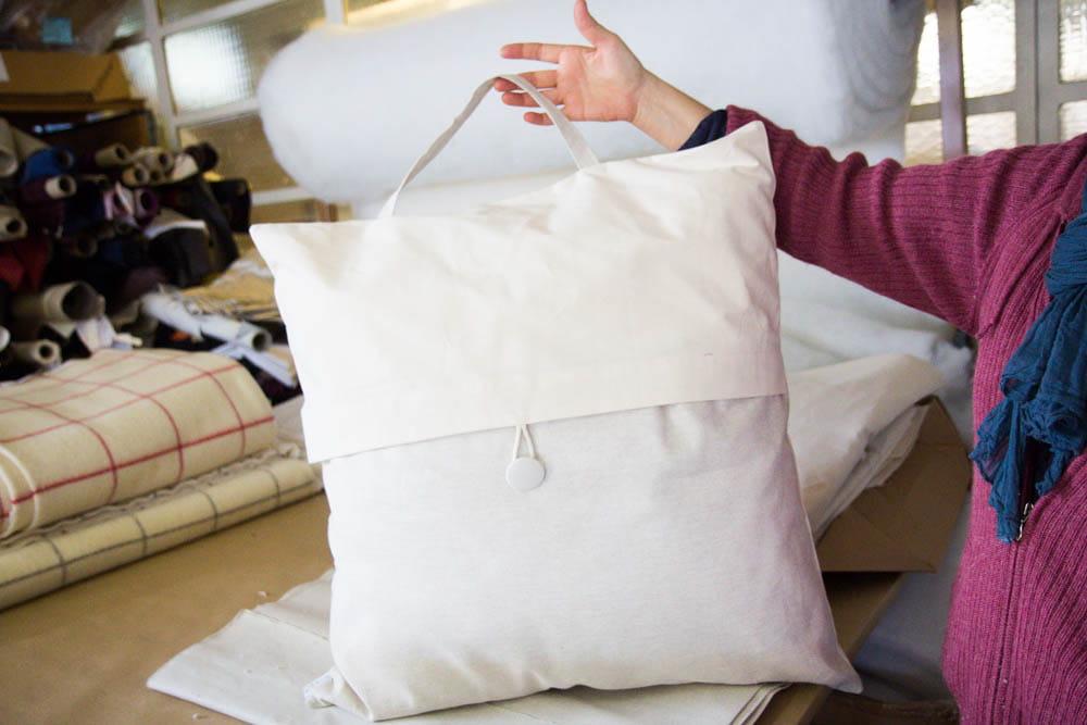 une grande collection de linge et de tissus comment le lit national fabrique les lits des. Black Bedroom Furniture Sets. Home Design Ideas