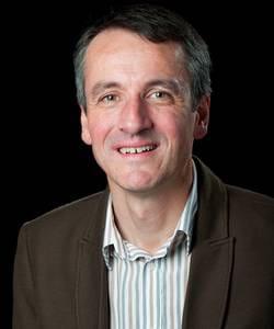 christophe le pargneux a repris actom france en 2009 et vigie pharma en juillet