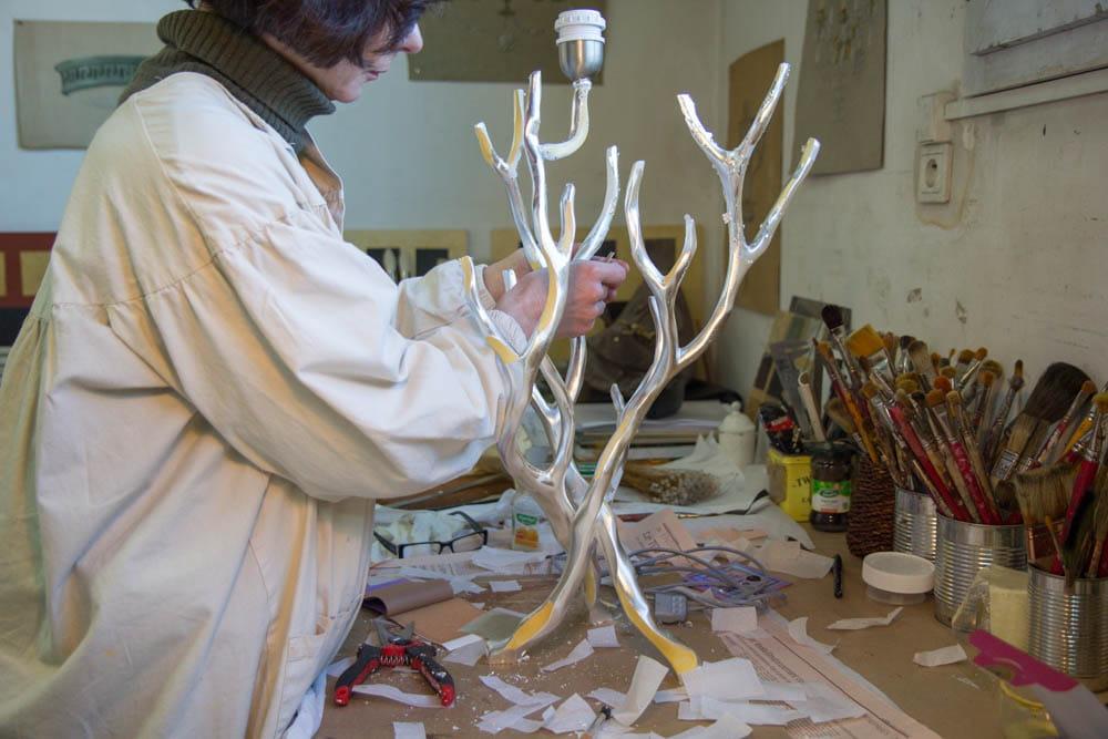 l u0026 39 atelier de d u00e9coration   dans l u0026 39 atelier du bronzier et ferronnier d u0026 39 art delisle