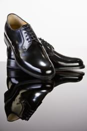 des chaussures bien cirées sont indispensables.