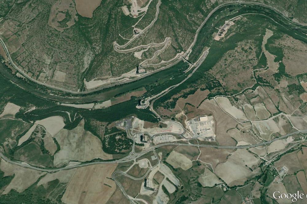 le site du viaduc de millau  aveyron  en 2003      la