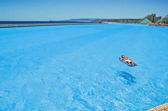 16 terrains de foot d'eau turquoise