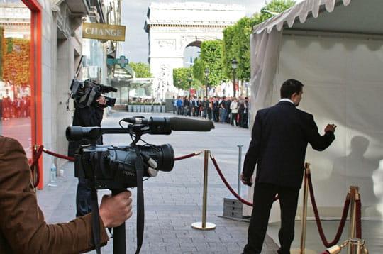 L'iPhone 3G débarque en fanfare en France