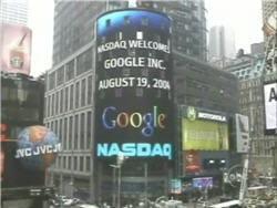 time square (new york) le jour de l'ipo de google, le 19 août 2004.