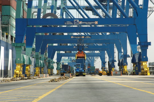 A shangha le futur plus grand port du monde les porte conteneurs les monstres marins du - Les plus grand port du monde ...