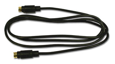 un câble s-video, pour relier son pc au téléviseur, s'il n'y a pas de hdmi.