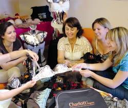 charlott 39 lingerie d complexe les femmes les bons filons de la vente domicile jdn. Black Bedroom Furniture Sets. Home Design Ideas