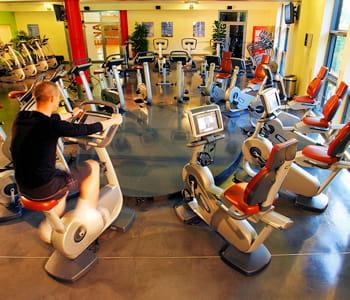 les abonnements club med gym ne s 39 essoufflent pas les produits qui se vendent malgr la crise. Black Bedroom Furniture Sets. Home Design Ideas