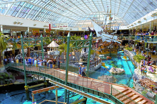 un parc aquatique tropical   les plus grands centres