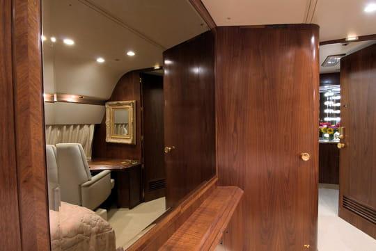 le dressing du milliardaire le jet priv de donald trump jdn. Black Bedroom Furniture Sets. Home Design Ideas