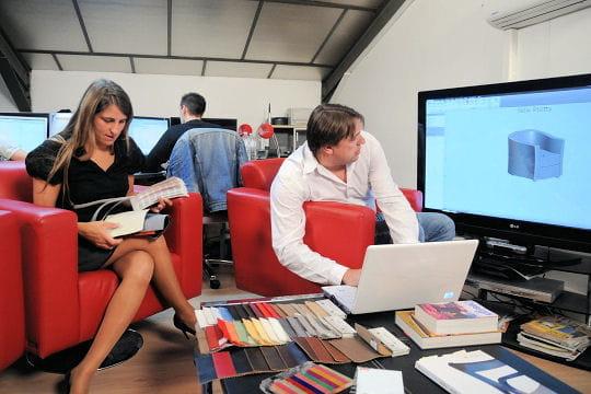 les p r grinations des meubles de direct usine les p r grinations franco. Black Bedroom Furniture Sets. Home Design Ideas