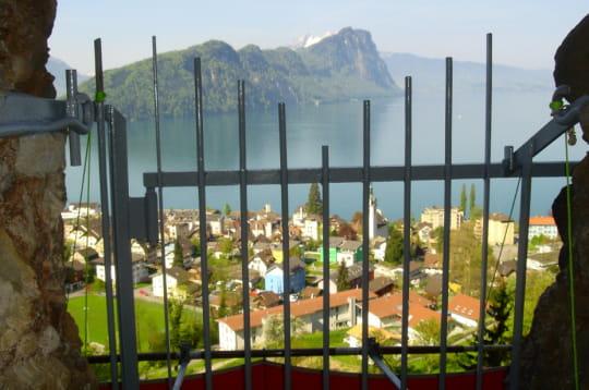 festung vitznau nuit de garde dans une forteresse suisse 18 h tels insolites autour du monde. Black Bedroom Furniture Sets. Home Design Ideas